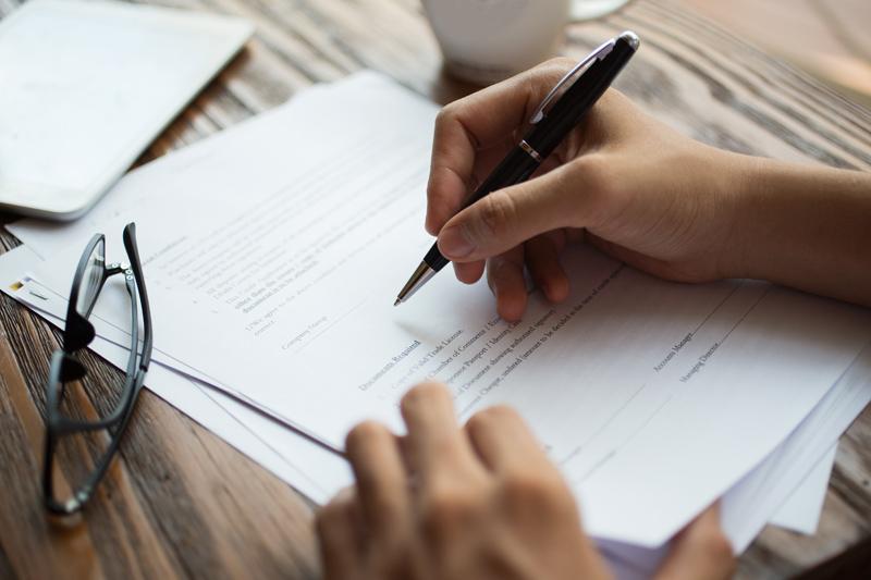 Delito de falsificación de documentos públicos o privados