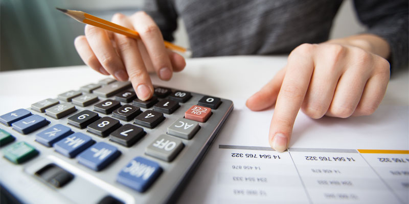 ¿Debo pagar pensión compensatoria si mi excónyuge tiene trabajo?