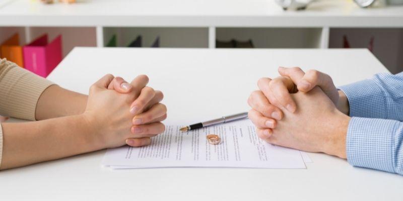 ¿Qué cuestiones se deben tener en cuenta a la hora de plantear el divorcio?